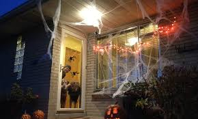 Outdoor Halloween Decoration 5 Ideas For Outdoor Halloween Decor On A Budget Howstuffworks