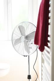 westinghouse pedestal fan desk fan wall fan 3 in 1 silver stream bild