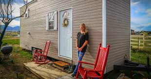 Renting A Tiny House Jackie Kemp A 23 Year Old Woman Escapes Crazy Rent With Tiny House