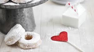 make the best wedding doughnuts etsy weddings blog