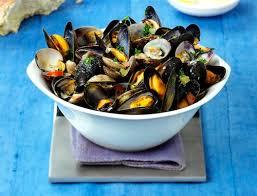 moules cuisin馥s moules et palourdes marinières recette de grand mère