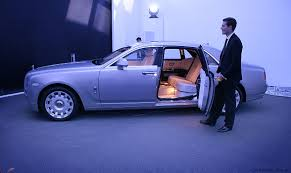 roll royce purple rolls royce ghost extended wheelbase preview photos 1 of 12