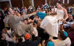 Chair Dancing A Guide To Jewish Wedding Dancing Your Jewish Speech