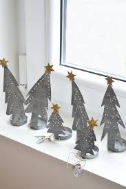 Decorated Christmas Tree Not Taking Water by Best 25 Metal Christmas Tree Ideas On Pinterest Christmas Tree