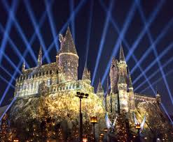 nighttime lights at hogwarts a night filled with magic at hogwarts the marke s world