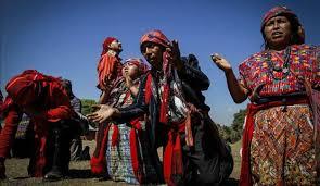 imagenes de rituales mayas guatemala pueblos mayas realizan rituales por el amanecer del nuevo