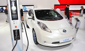 nissan leaf free charging 2016 nissan leaf pictures photo gallery car and driver