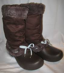womens casual boots size 11 best 25 s crocs ideas on crocs shoes crocs and