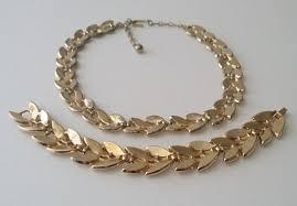 gold tone necklace set images Vintage 1960s crown trifari gold tone laurel leaf necklace and jpg