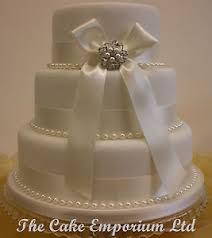 wedding cake u2013 bridal pearl brooch u2013 pearl or diamante and ribbon
