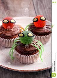 Halloween Verfraaide Zoete Spin Cupcakes Stock Foto Afbeelding