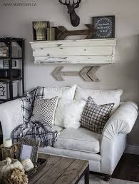 Hunting Decor For Living Room by Best 20 Rustic Living Rooms Ideas On Pinterest Rustic Room