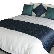 bed runners now this is a bright idea i would enjoy making a bed runner and