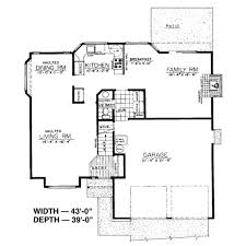 traditional style house plan 3 beds 2 5 baths 1636 sq ft plan