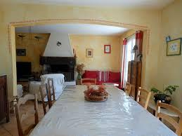 salle a manger provencale bedoin pied du mont ventoux belle maison provençale piscine