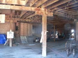 file starke round barn interior 3 jpg wikimedia commons
