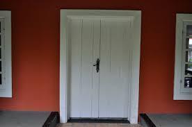 porte interni bianche perch礙 scegliere le porte interne bianche costok