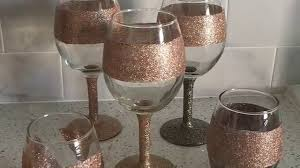 wine glass with initials tutorial diy glitter wine glasses