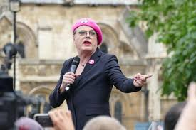 Labour S Anti Semitism Row Explained Itv Eddie Izzard Urges To St Out Stain Of Antisemitism As He