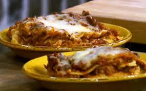 how to make lots o u0027meat lasagna with paula deen pasta wonderhowto