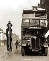 vintage photos of buses in london streets in the early 20th