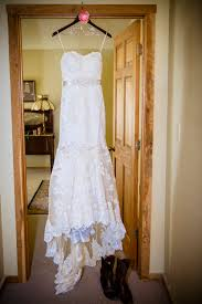 amish wedding dress hitched at the amish barn at the edge and michael plan