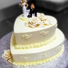 heart shaped wedding cakes croissants de wedding cake