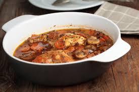 cuisine lapin au vin blanc recette lapin en gibelotte aux chignons et aux tomates