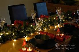 christmas dinner table setting traditional christmas dinner garland