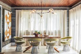 love the textured wallpaper ceiling dine me pinterest i always love platner dining chairs and this room has some much