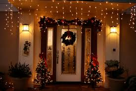 Christmas Porch Decorating Ideas showing green wreath on main door