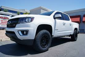 chevy colorado lowered 2016 chevrolet colorado white custom truck builds pinterest