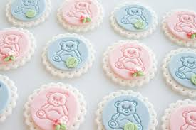 how to make embossed teddy bear fondant cupcake toppers