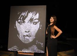 lady paint performance in monte carlo glue painting glitter