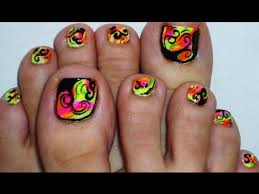 finger nails toe nails with absract rainbow 7 crackle toe nail