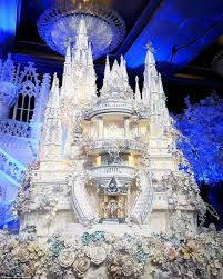 castle wedding cake are these the most elaborate wedding cakes of all time castle