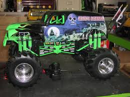 tyco rc grave digger monster truck new bright 1 6 vw transformed to grave digger rcu forums