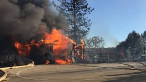 Wild Fire Quincy Ca by Wildfire Threatens 1 000 Structures Near Lake Oroville