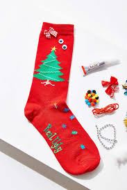 6 ways to wear your holiday spirit her campus