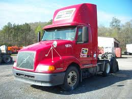2008 volvo semi truck 2002 volvo vnl64t300 day cab semi truck for sale 408 154 miles