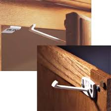 Safety First Cabinet And Drawer Latches Kidco S333 Swivel Cabinet Drawer Latch 4 Pack Childproofing
