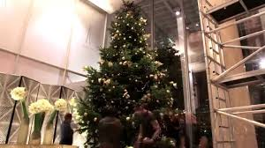 christmas tree time lapse at shangri la hotel at the shard