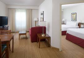 What Hotel Chains Have 2 Bedroom Suites Hotel Suites In Orlando Florida Residence Inn Orlando At Seaworld
