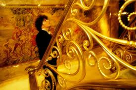 trumps gold house cnn s hard hitting report is donald trump afraid of stairs