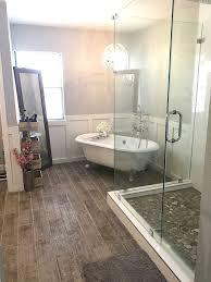 Best 25 White Master Bathroom by Best 25 Clawfoot Tub Bathroom Ideas On Pinterest Clawfoot