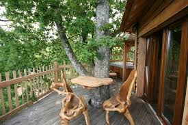 chambre d hote cabane dans les arbres la cabane périgord perchée dans les arbres