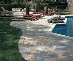 Simple Brick Patio With Circle Paver Kit Patio Designs And Ideas by Paver Patio Design Tips And Pictures