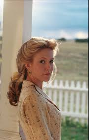 how beautiful does our wcw diane lane look on the set of lonesome