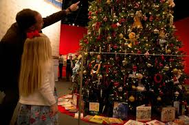 Outdoor Christmas Decorations In Dallas by Holiday Attractions Attractions In Dallas