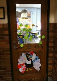 classroom door ideas for thanksgiving thanksgiving door decorations for kindergarten door decorations